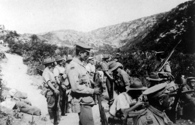AWM_C01101_Australian_10th_Bn_Gallipoli_1915